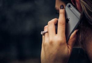 Droższe zagraniczne tête-à-tête? O zmianie cen roamingu