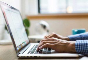 Odroczenie terminu składek ZUS. Jak wypełnić wniosek ZUS-EOP online?