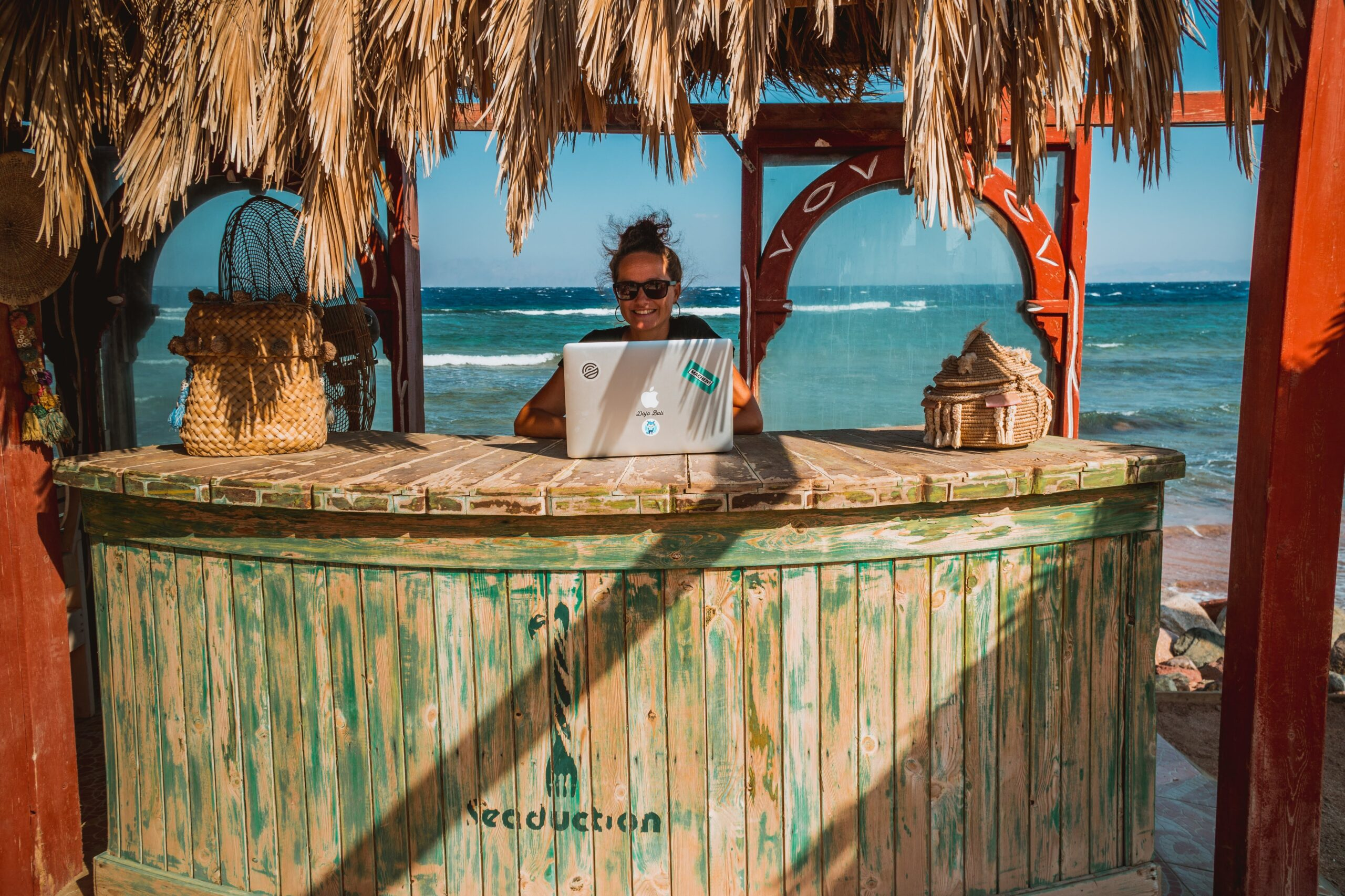 Workation – łącz pracę z odpoczynkiem